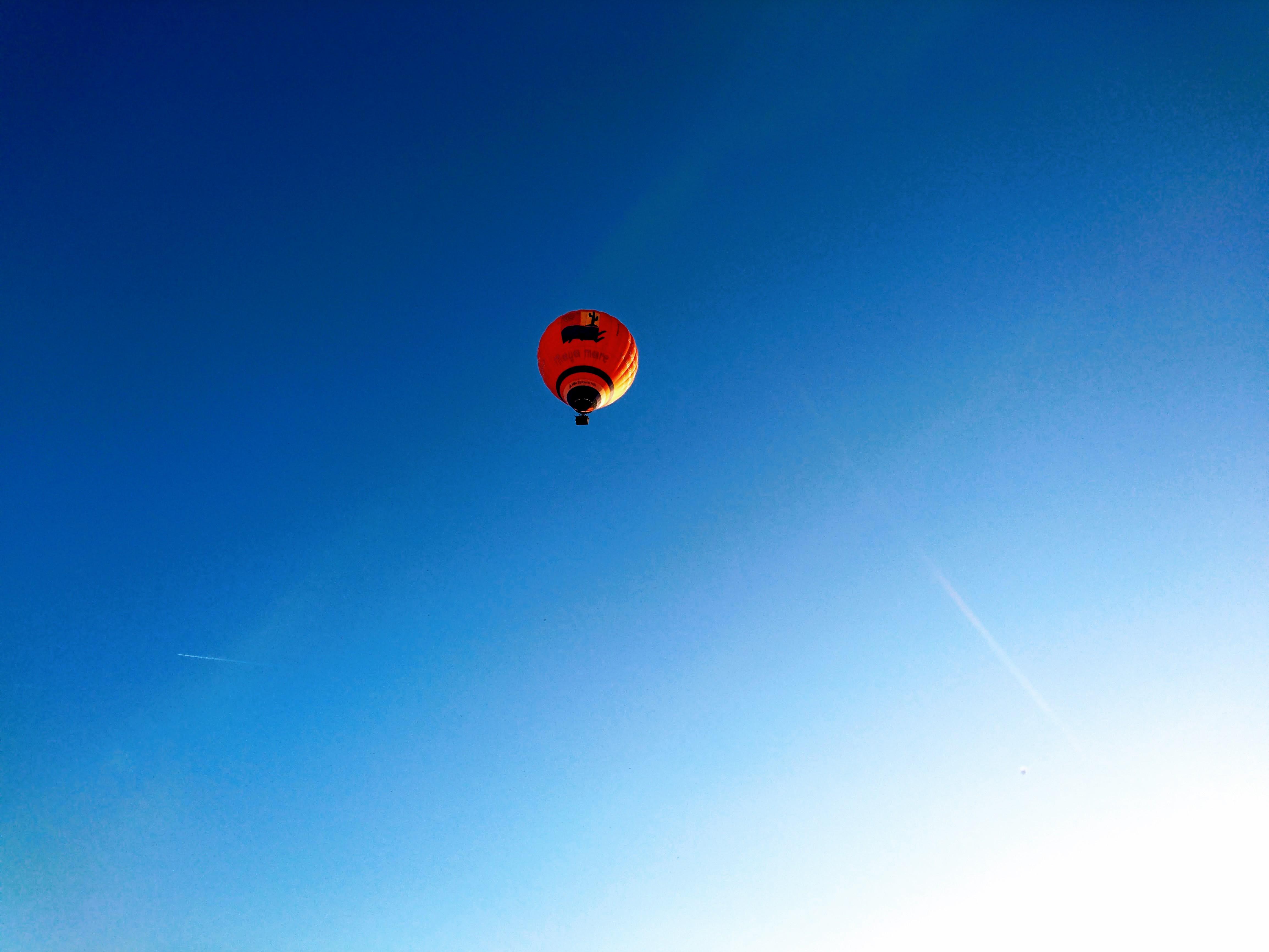 Heißluftballon am Himmel